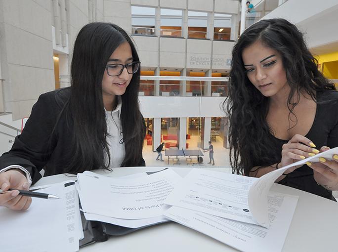 Scholarships For Women Scholarships Com >> Scholarships For Canadian Women De Beers Canada